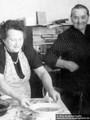 Elsbeth Eichmann und Martha Kupfer ca. 1958 in Aue - Geschichte Deutschland DDR Memoiren Junge vom Knack