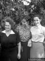 Elsbeth und Renate Eichmann und Gerda Kupfer 1954 - Geschichte Deutschland DDR Memoiren Junge vom Knack