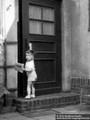 Der Herausgeber bringt seinem Großvater Fritz Eichmann die Zeitung ca. 1960 - Geschichte Deutschland DDR Memoiren Junge vom Knack
