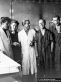 Rudi Kupfer mit Kollegen im Labor 1952 - Geschichte Deutschland DDR Memoiren Junge vom Knack